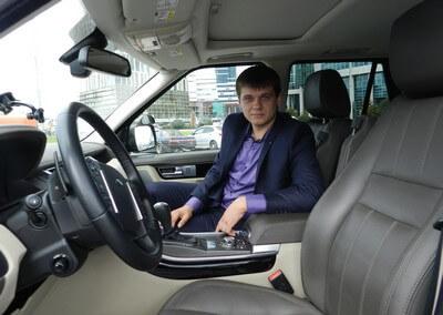 Инструктор по вождению в Москве, автоинструктор на внедорожнике Вадим Вальеревич