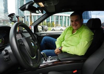 Инструктор по вождению в Москве, автоинструктор на внедорожнике Дмитрий Александрович