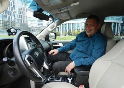 Инструктор по вождению в Москве, автоинструктор на внедорожнике Владимир Викторович